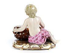 Detail images: Porzellanfigur eines Mädchens