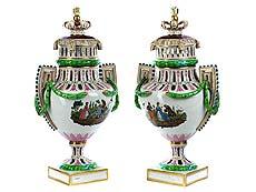 Detail images: Paar große Meissener Deckelvasen im Louis XVI-Stil