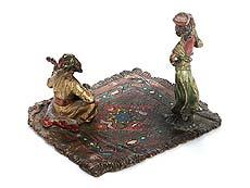 Detail images: Wiener Bronze eines musizierenden Arabers mit Tänzerin
