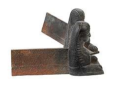 Detail images: Paar Kaminböcke als Sphingen