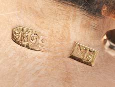 Detail images: Goldene Musikdose