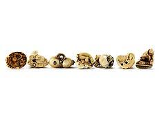 Detail images: Sammlung von sieben hochwertigen Netsuke in Elfenbein