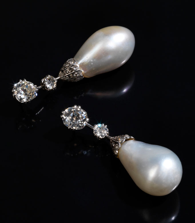 Bedeutende Naturperlen-Diamantohrhänger