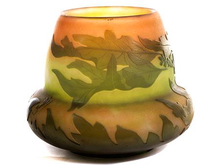 Vase von Émile Gallé mit Eichenlaubdekor