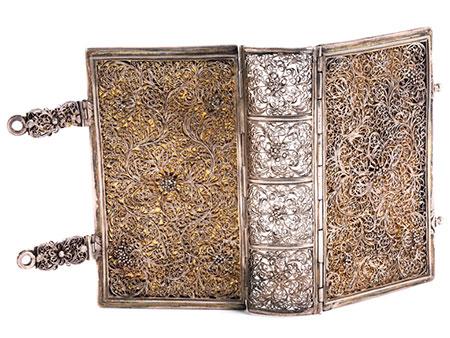 Bucheinband in Silberfiligran