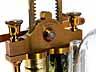 Detail images: Seltene Vakuumpumpe mit zugehöriger Ampulle