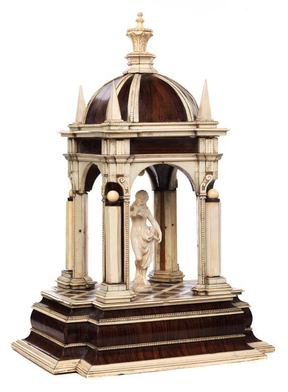 Figurentempietto in Elfenbein und Palisanderholz