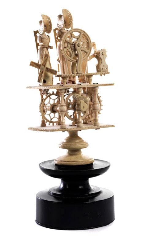 Figürlicher Elfenbeinspielautomat