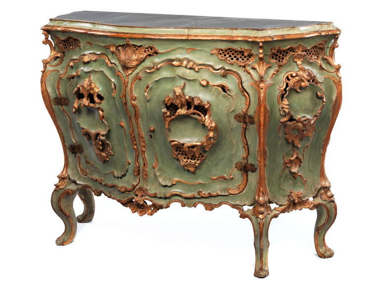 seltene italienische commode a porte hampel fine art auctions. Black Bedroom Furniture Sets. Home Design Ideas