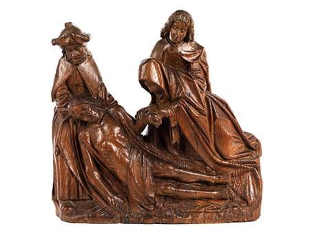 "Geschnitzte Figurengruppe der ""Beweinung Christi"""