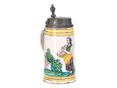 Gmundner Walzenkrug mit Darstellung einer Eierverkäuferin