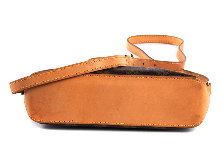 Detail images:  Louis Vuitton Damenhandtasche