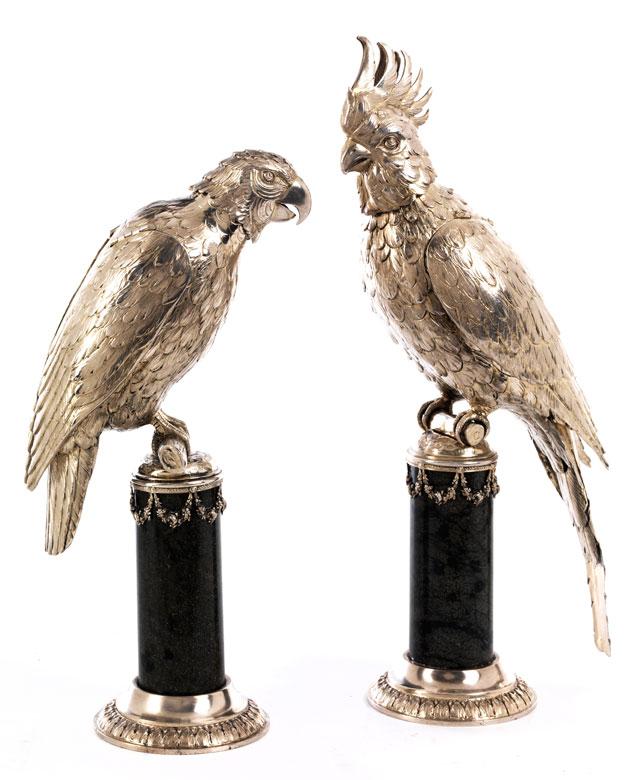 Paar silberne Papageien als Trinkgefäße