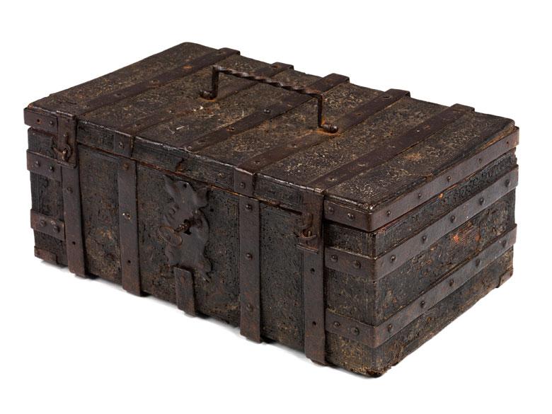 Lederbezogene Holzkassette