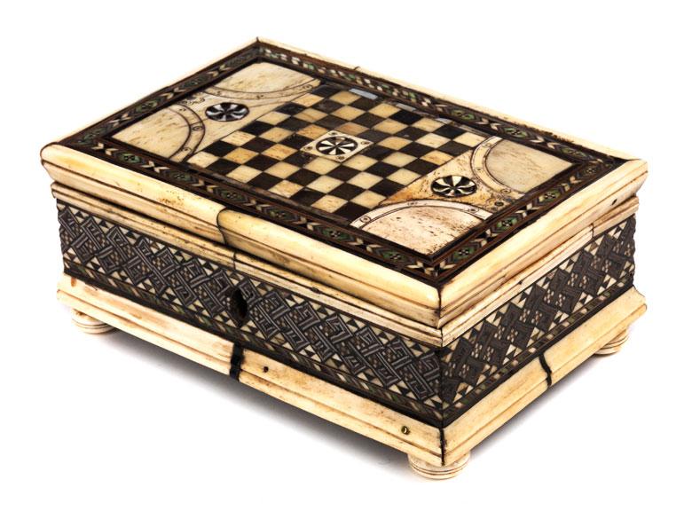 Spielschatulle in der Art der Embriachi-Werkstatt