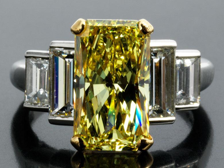 Natural Fancy Yellow Diamantring von Cartier