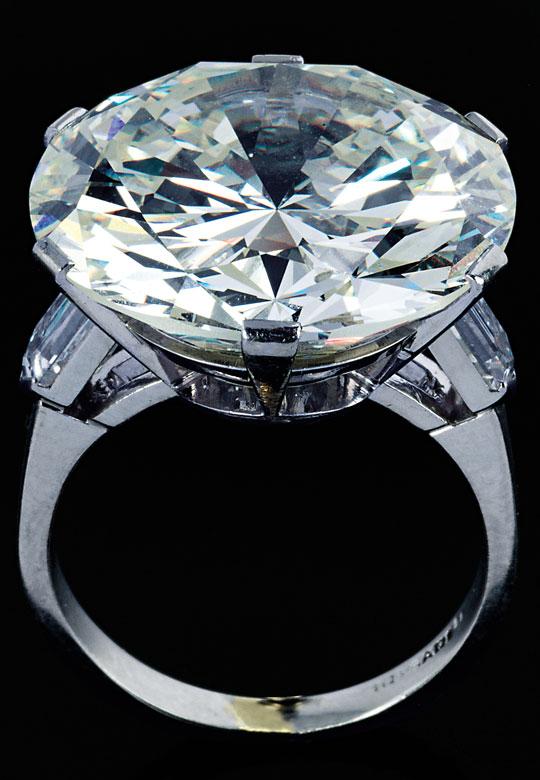 Großer Diamant-Solitärring