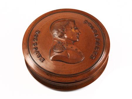 Napoleonische Holzdose