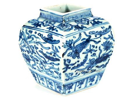 Blau-weiße Jiajing Vase
