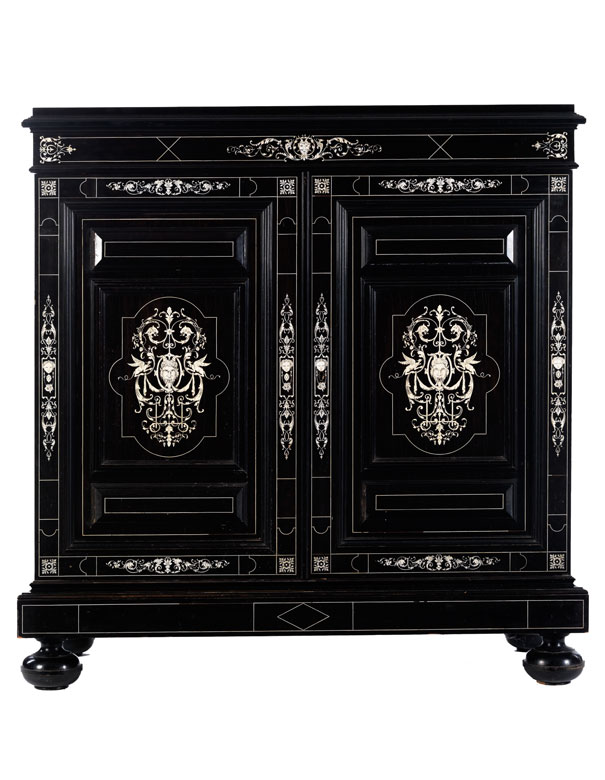 Elegante Türkommode im Louis XIII-Stil