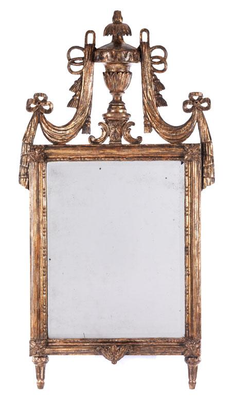 Eleganter klassizistischer Spiegel