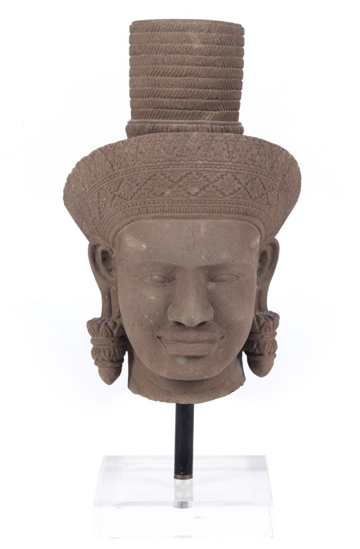 Großer Kopf im Khmer-Stil