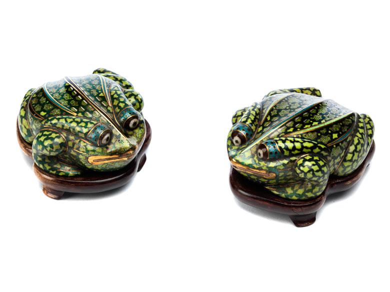 Paar Cloisonné-Frösche