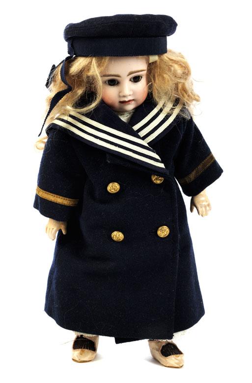 Puppe mit Porzellankopf