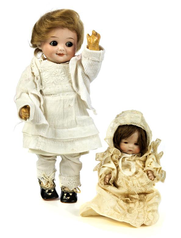Konvolut von zwei Puppen