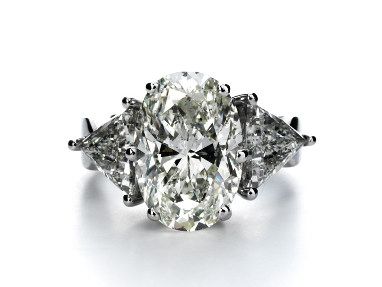 Großer Diamantring