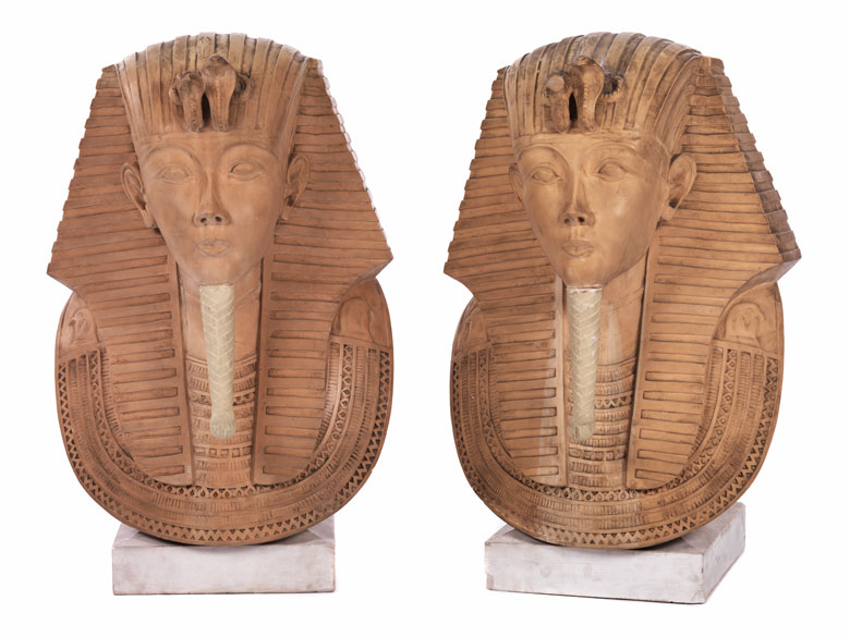 Paar Kolossalbüsten von Pharaonen