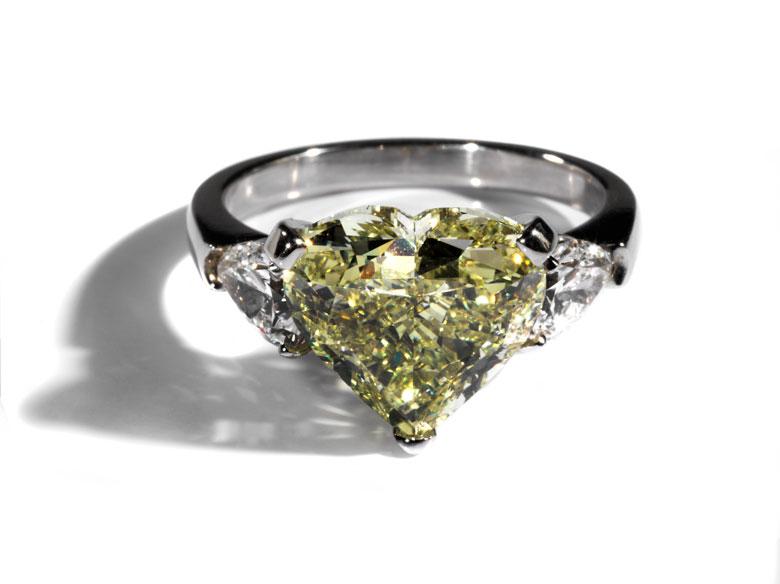 Fancy-Yellow Diamantherzring