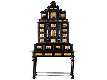 Außergewöhnliches Kabinett mit Ruinenmarmor