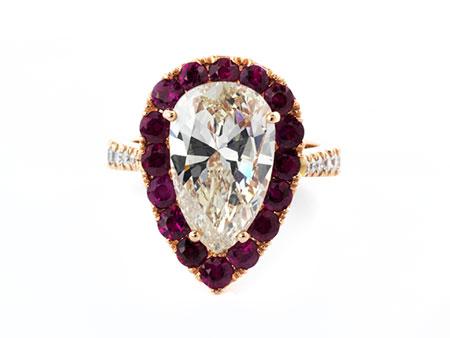 Diamanttropfen-Rubinring