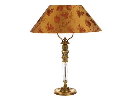 Tischlampe im Empire-Stil