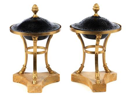 Paar klassizistische Brûle-Parfums
