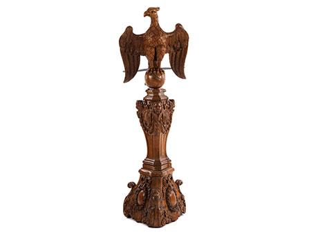 Großes Adlerpult