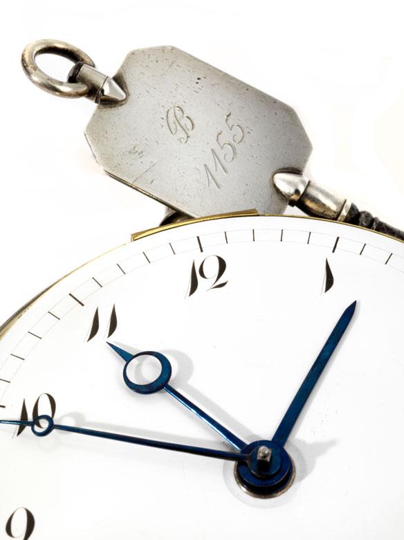 Detailabbildung: Breguet-Kutscheruhr mit Repetition und Weckerfunktion in Form einer großen Taschenuhr