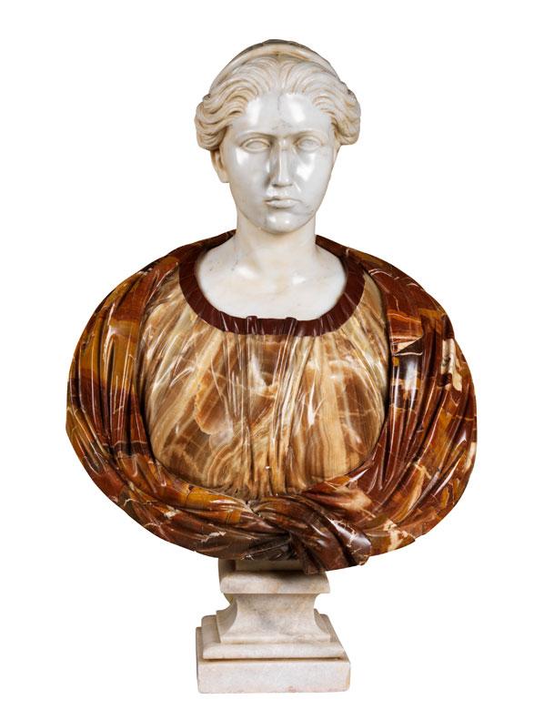Prachtvolle weibliche Marmorbüste