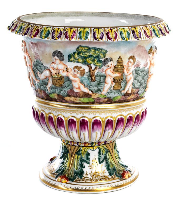 Capodimonte Vase Mit Putti Relief Hampel Fine Art Auctions