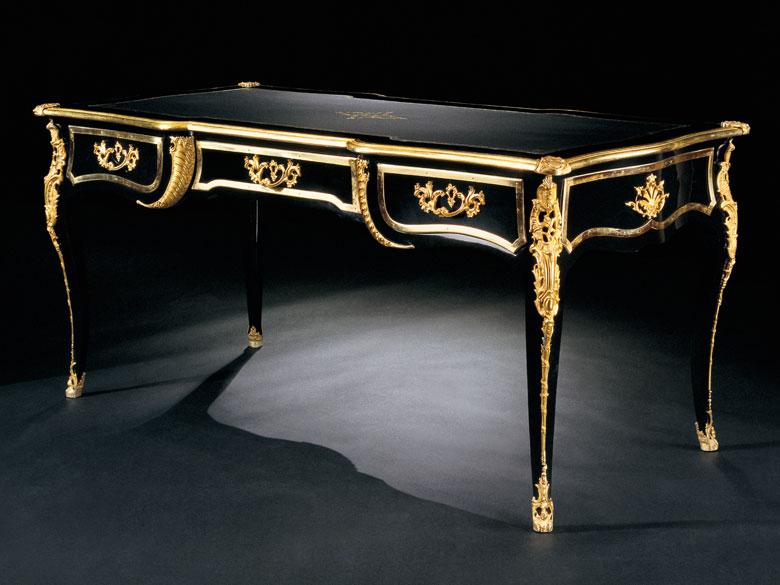 † Bureau-Plat im Louis XV-Stil