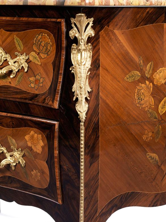 Pr chtige louis xv kommode gestempelt jean demoulin 1715 for Kommode asia style