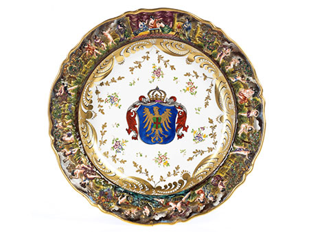 Detail images:   Großer Capodimonte Wappenteller