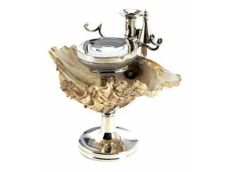 Englisches Schreibzeug in Silber mit eingearbeiteter großer Muschel