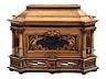 Detail images: Seltene, äußerst schön gearbeitete Deckeltruhe mit Geheimverschluss und Reliefschnitzereien