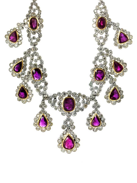 Rubin-Diamantcollier und Ohrhänger