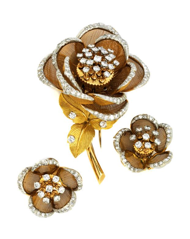 Gold-Diamant-Rosenbrosche und -ohrringe