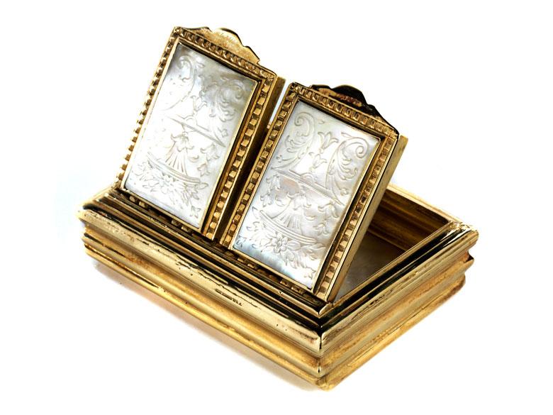 Goldene Rechteckdose mit zwei Klappdeckeln