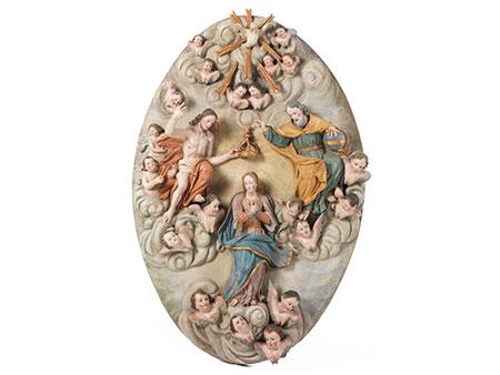 Großes ovales Hochrelief-Schnitzwerk mit Darstellung der Marienkrönung