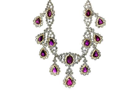 Detail images:  Rubin-Diamantcollier und Ohrhänger